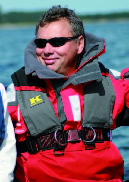 Rettungsweste mit integriertem Harness nach DIN EN ISO 12401